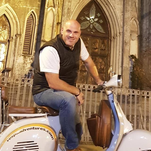 ברנרדו בלחוביץ', בעלים של רשת מסעדות